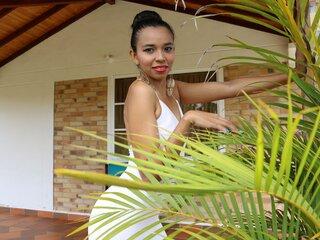 SmallAssSara webcam